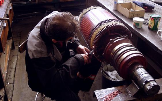 Remonty maszyn – ludzie na stanowiskach